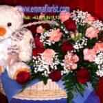Hadiah Bunga dan Boneka
