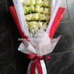 Hand Bucket Mawar Putih BB3503